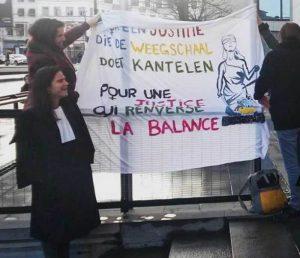 """""""Pour une justice qui renverse la balance""""  Photo de Fem & Law"""